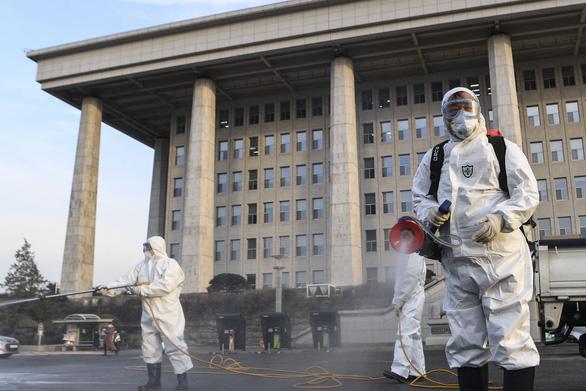 Dịch COVID-19 ngày 26-2: Hàn Quốc tăng lên hơn 1.100 ca nhiễm, Ý 322 ca